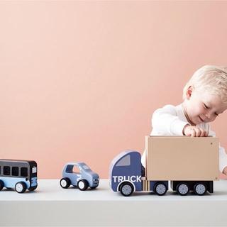イケア(IKEA)のKids Concept 乗り物4点セット(知育玩具)