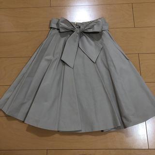 デビュードフィオレ(Debut de Fiore)のデビュードのフレアスカート(ひざ丈スカート)