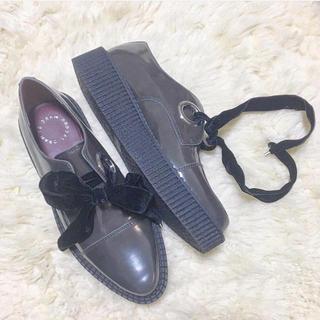 マークバイマークジェイコブス(MARC BY MARC JACOBS)のMARCBYMARCJACOBS ベロアリボンシューズ(ローファー/革靴)