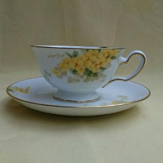 オオクラトウエン(大倉陶園)の美品  大倉陶園  ミモザ  カップ&ソーサー1客(食器)