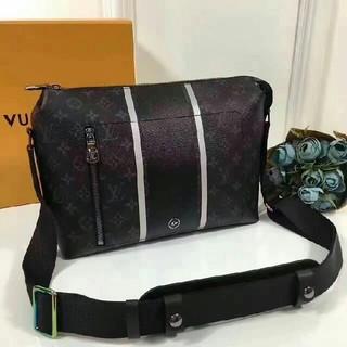 ルイヴィトン(LOUIS VUITTON)のルイヴィトン×フラグメント ショルダーバッグ メッセンジャーバッグ(メッセンジャーバッグ)