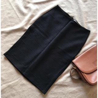 ザラ(ZARA)の限定セール!ZARA シンプルなひざ丈 タイトスカート ブラック 黒(ひざ丈スカート)
