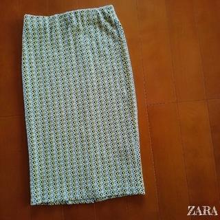 ザラ(ZARA)の【ZARA】柄物 個性的/後ろスリット タイト スカート S(ひざ丈スカート)