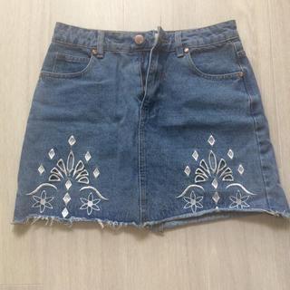 ザラ(ZARA)の刺繍 デニム スカート(ミニスカート)