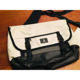 ☆韓国 ABROAD Smart Messenger Bag ホワイト☆(メッセンジャーバッグ)