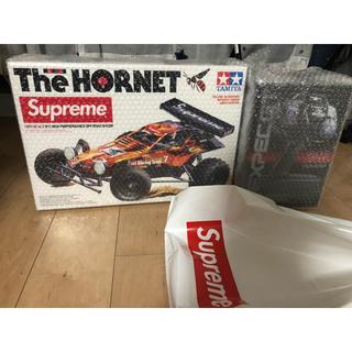 Supreme - Supreme TAMIYA The HORNET