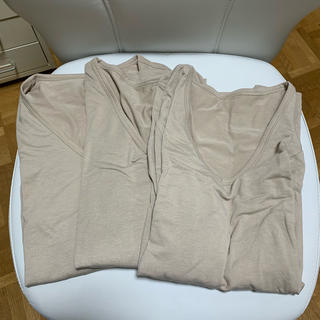 ジーユー(GU)のGUウォームVネックT(9分袖)3枚!、半袖1枚になります。(その他)