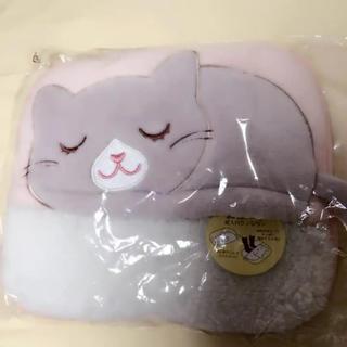 【新品】ふわふわ 足入れクッション 猫(クッション)