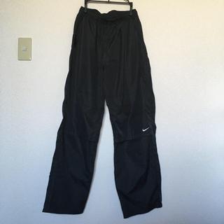 ナイキ(NIKE)の【ナイキ】メンズ トレーニングパンツ Lサイズ 黒色(トレーニング用品)