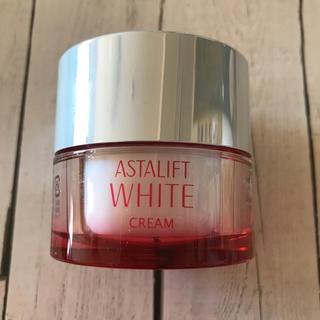 アスタリフト(ASTALIFT)のアスタリフト ホワイトクリーム 30g(フェイスクリーム)