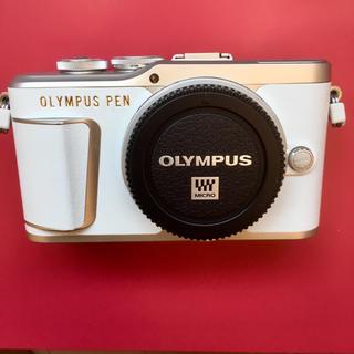 OLYMPUS - ❤️超人気なオリンパスPEN⭐︎ホワイト❤️  Wifi機能内蔵  自撮り可❤️