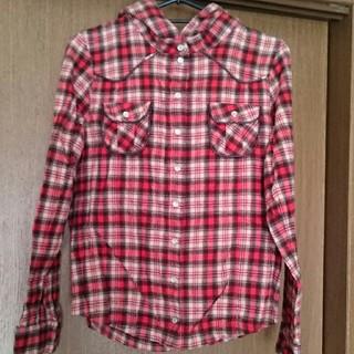 ターチー(TAHCHEE)のTAHCHEE フード付きチェックシャツ フリーサイズ サーフィン(シャツ/ブラウス(長袖/七分))