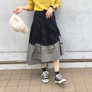 バーニーズニューヨーク(BARNEYS NEW YORK)の美品 re verofonna ヴェロフォンナ チェックフレアスカート(ロングスカート)