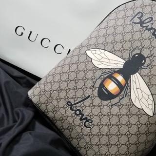 グッチ(Gucci)のGUCCI ハチプリント(リュック/バックパック)