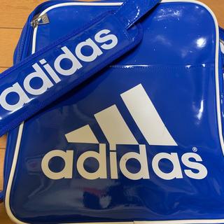 アディダス(adidas)のadidas アディダスエナメルショルダーバッグ(その他)