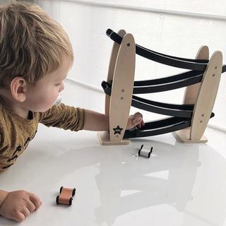 キャラメルベビー&チャイルド(Caramel baby&child )の新品✦kids Concept 木製 カーコースター(ブルー)(知育玩具)