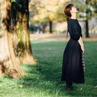 ヤエカ(YAECA)のcanvas linen bottle skirt  オールドマンズテーラー(ロングスカート)