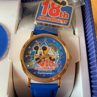 Disney - ディズニーランド 18周年 記念時計 ピンバッチと台座付き