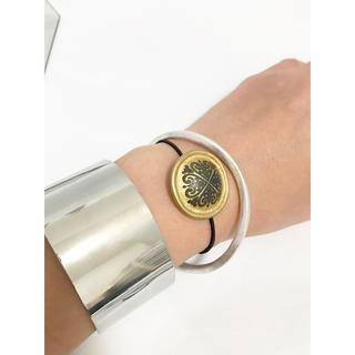 アッシュペーフランス(H.P.FRANCE)のヴィンテージボタン ブレスレット ゴム仕様 ヘアゴム ゴールド mameo(ブレスレット/バングル)