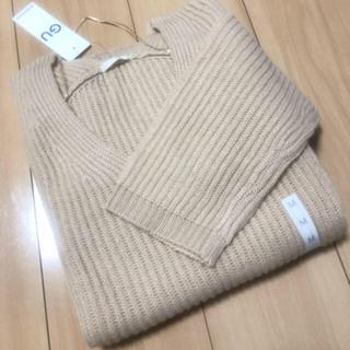 GU - Vネックセーター