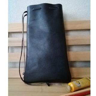 革の巾着袋 縦長SIZE(中) 黒 シンプルDesign(ポーチ)