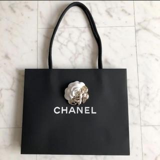 562e9739fa86 シャネル(CHANEL)のシャネルショップ袋☆クリスマス限定カメリア付き(ショップ袋