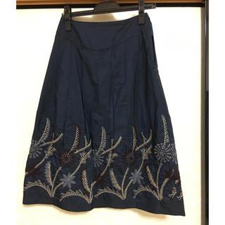 スキャパ(SCAPA)のスキャパ SCAPA 刺繍スカート(ひざ丈スカート)