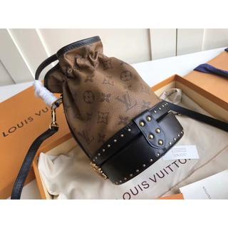 ルイヴィトン(LOUIS VUITTON)の斜めがけバッグ LOUIS VUITTON ルイヴィトン 大人気 ほぼ新品 激売(ショルダーバッグ)