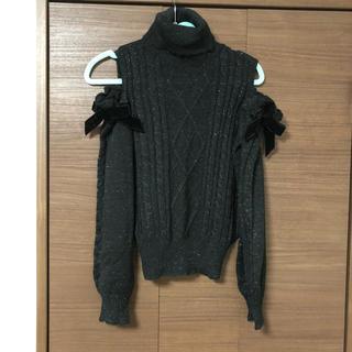 アクシーズファム(axes femme)のアクシーズファムおリボン肩開きセーター(ニット/セーター)