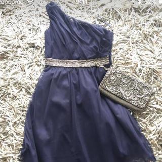ビーシービージーマックスアズリア(BCBGMAXAZRIA)のBC BGドレス(ひざ丈ワンピース)