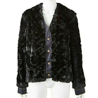 トーガ(TOGA)のTOGA pulla ファージャケット コート ブラック×デニム 38(毛皮/ファーコート)