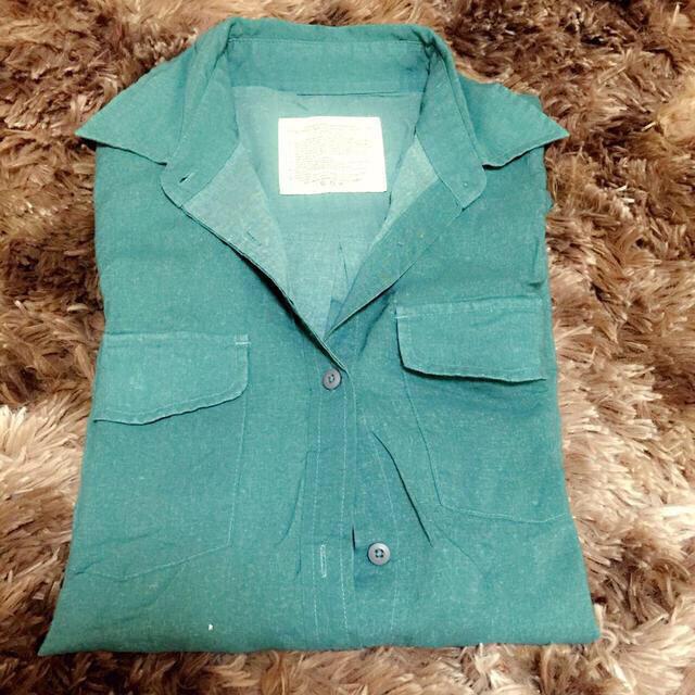 goa(ゴア)のGOAのグリーンシャツ レディースのトップス(シャツ/ブラウス(長袖/七分))の商品写真