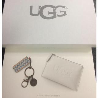 アグ(UGG)の【新品未開封】UGG🌟箱入り マルチケース&キーチェーン ホワイト(キーケース)