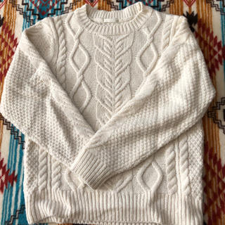 ジーユー(GU)の140白セーター(ニット)