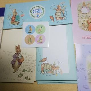 ピーターラビットの一筆箋2種類と封筒、ポストカード2枚、シールセット(カード/レター/ラッピング)