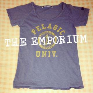 ジエンポリアム(THE EMPORIUM)のTHE EMPORIUMカレッジTシャツ(Tシャツ(半袖/袖なし))