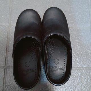 ダンスコ(dansko)のdansko professional oiled ブラック(ローファー/革靴)