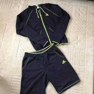 アディダス(adidas)の☆アディダスパーカー、短パンセット☆(ルームウェア)