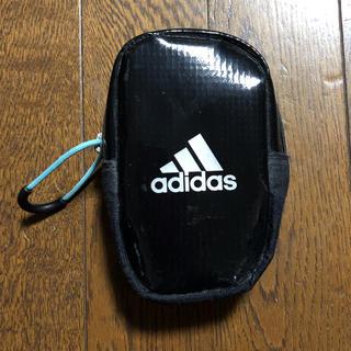 アディダス(adidas)のアディダスadidas小さめポーチバッグ黒ブラック(ウエストポーチ)