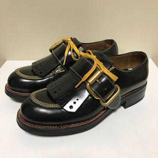 プラダ(PRADA)の☆美品 プラダ ストラップ キルト レザー シューズ 黒 × 黄 イタリア製(ローファー/革靴)