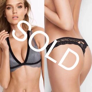 ヴィクトリアズシークレット(Victoria's Secret)の新品❤️ヴィクトリアシークレット ブラ ソング Tバック セット グレー黒(ブラ&ショーツセット)