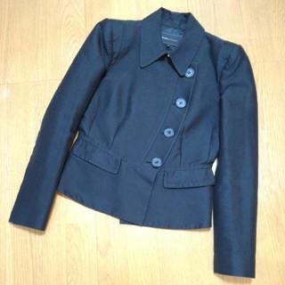 ビーシービージーマックスアズリア(BCBGMAXAZRIA)のBCBGMAXAZRIA ジャケット 黒 (テーラードジャケット)