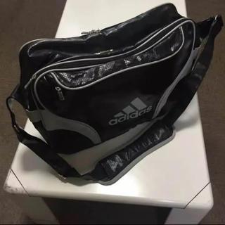 アディダス(adidas)のアディダス スポーツ用ショルダーバッグ サッカー向け フットサル向け(ショルダーバッグ)