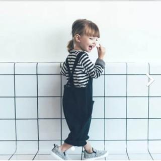 ザラ(ZARA)の刺繍ディテール&ポケット付きサロペット(ワンピース)