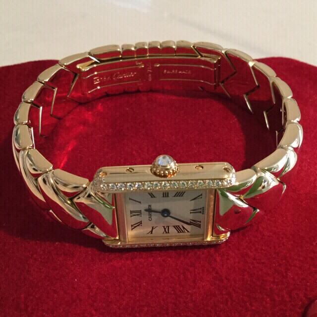 Cartier(カルティエ)の【 カルティエ 】タンク時計 18Kゴールド   大粒ダイヤ入り レディース レディースのファッション小物(腕時計)の商品写真