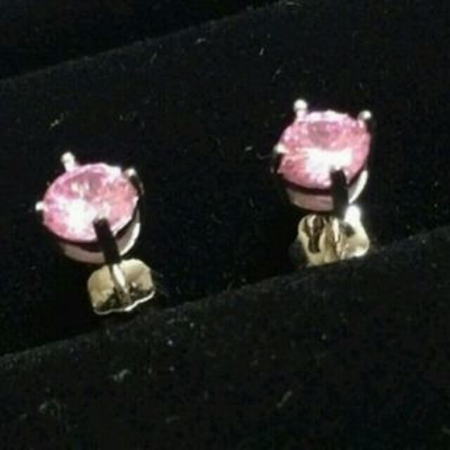 ダイヤモンド【プラチナ】ピアス(ピンク5mm) レディースのアクセサリー(ピアス)の商品写真