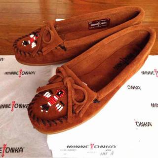 ミネトンカ(Minnetonka)の新品 ミネトンカ5サンダーバードモカシン(ローファー/革靴)