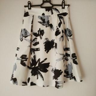 パウダーシュガー(POWDER SUGAR)の花柄スカート(ひざ丈スカート)