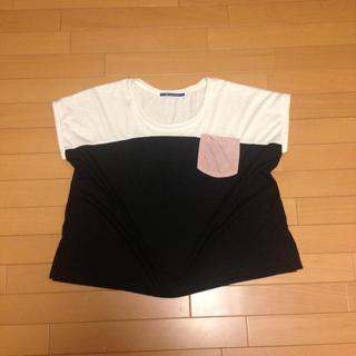 ジエンポリアム(THE EMPORIUM)の白と黒のTシャツ(Tシャツ(半袖/袖なし))