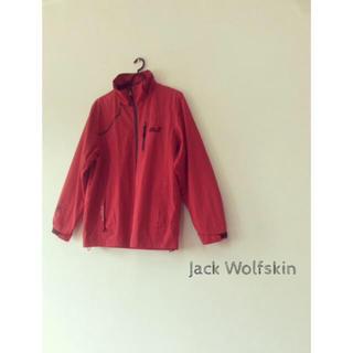 ジャックウルフスキン(Jack Wolfskin)のjack wolfskin ジャックウルフスキン マウンテンジャケット 赤(マウンテンパーカー)